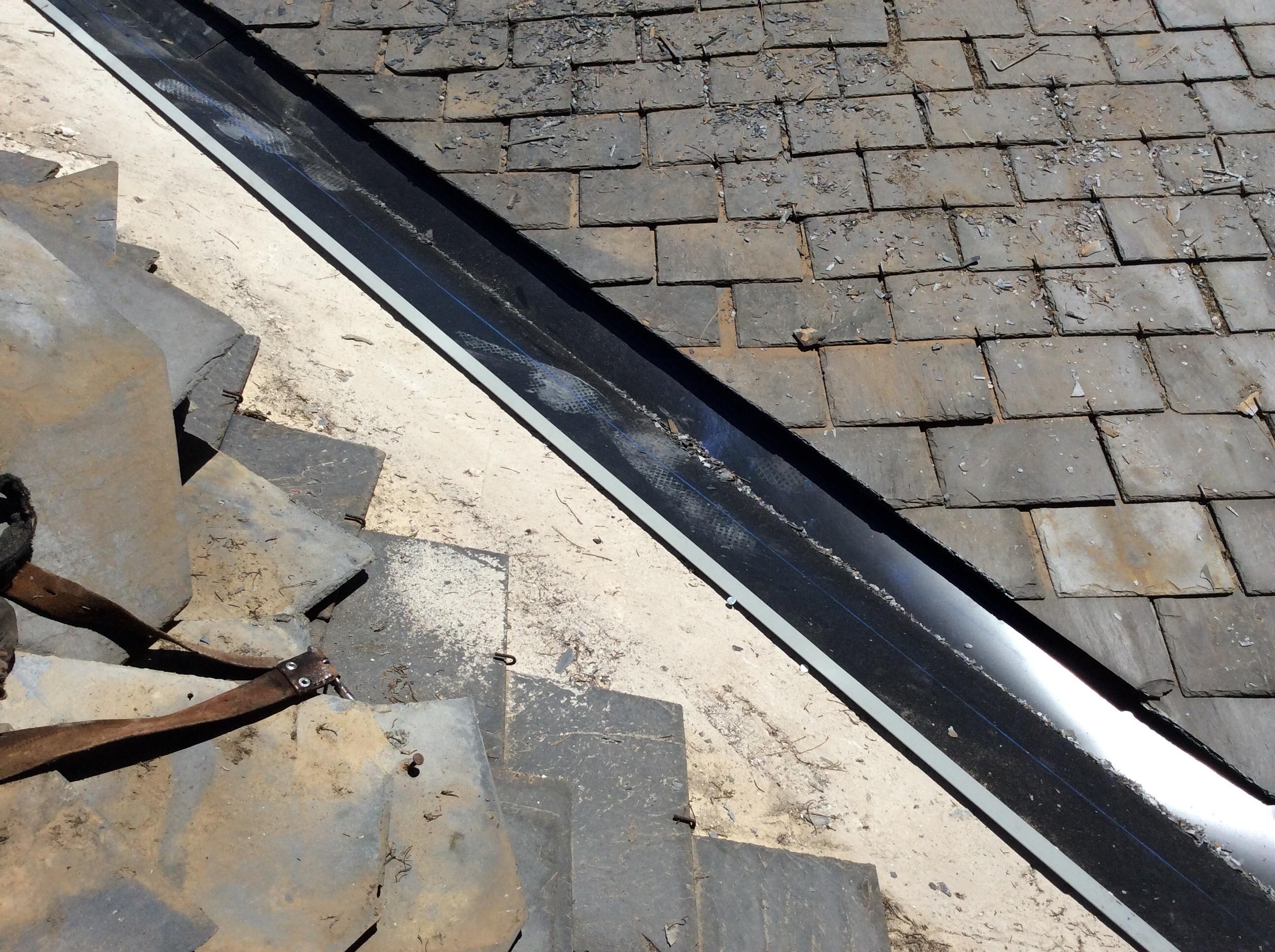 Reparaci n de goteras tejado de pizarra en boadilla del - Materiales para tejados ...